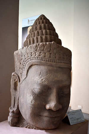 02.Siem-Reap-Cambodia-Angkor-National-Mu