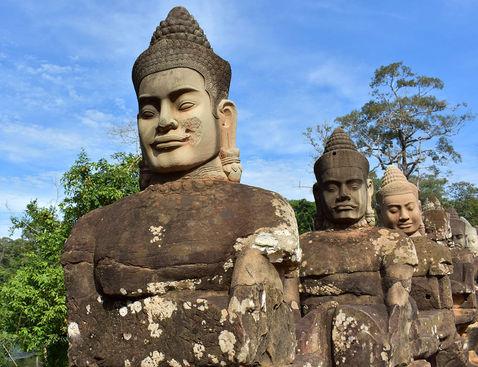 Templos-de-Angkor-Entrada-Principal.jpg