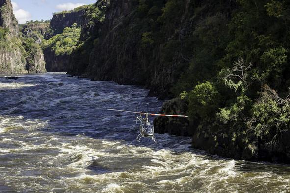 Passeio de Helicoptero sobre as Cataratas.