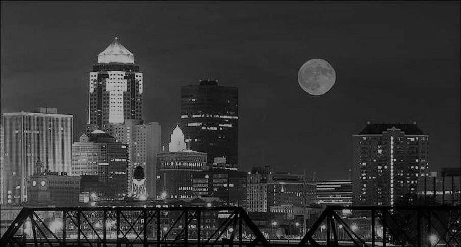 Des_Moines_skyline_night3333333.jpg
