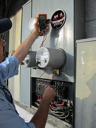 Servicios de electricista.jpg