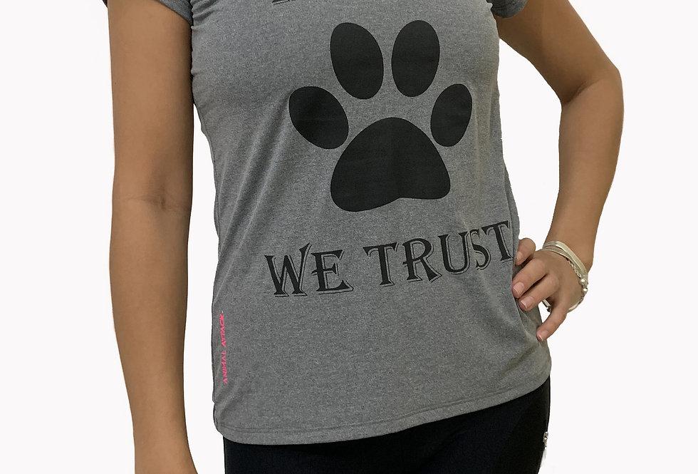 Camiseta In Dog We Trust cinza