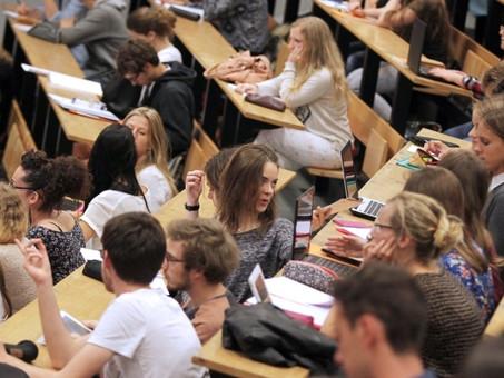 Réforme de l'accès à l'université : valoriser le travail de chacun et favoriser la réussite de tous.