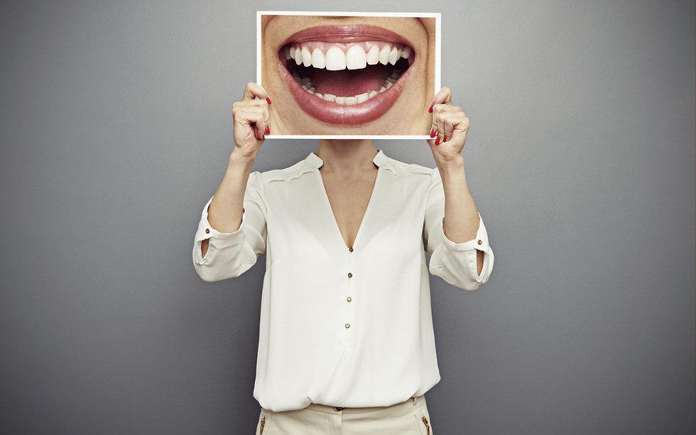 teeth-smile-wallpaper-1680x1050.jpg
