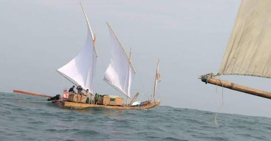 Replicas of the 11th Century Vietnamese rafts which are currently sailing from the north to south of Vietnam. Photo by Tuoi Tre News.