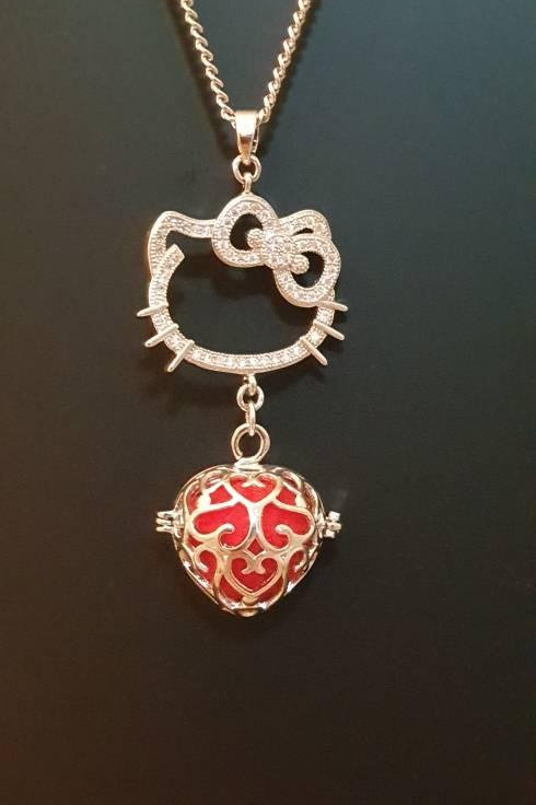 """Essential oil Diffuser Locket Necklace """"Kitty"""""""