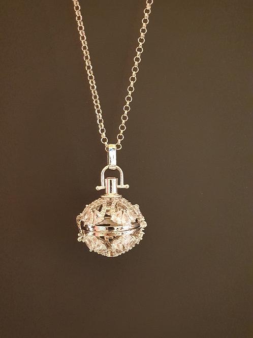 Essential oil Diffuser Locket Necklace (Silver)