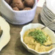 Hommus de grão de bico com pesto