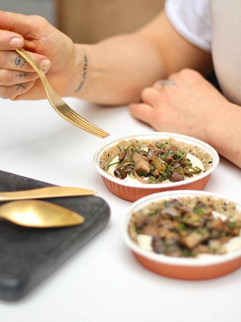 """Quiche Vegana de Cogumelos e """"Requeijão"""" (pequena)"""
