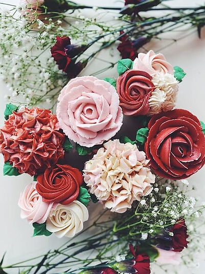 Vday21_FloralCupcakes2.jpg