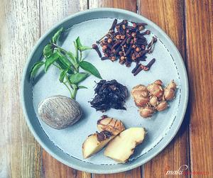 przyprawy-kuchni-indonezyjskiej-smaki-indonezji-kuchnia-indonezyjska-podroze-kulinarne-1