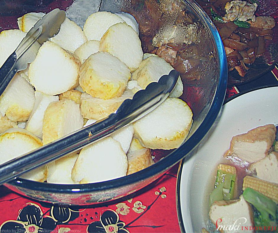 Nasi-Lontong-Indonezyjski-Klejący-Ryż-Smaki-Indonezji-Kuchnia-Indonezyjska