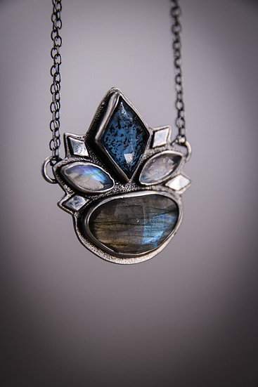 The Ice witchs crown necklace with labradorite