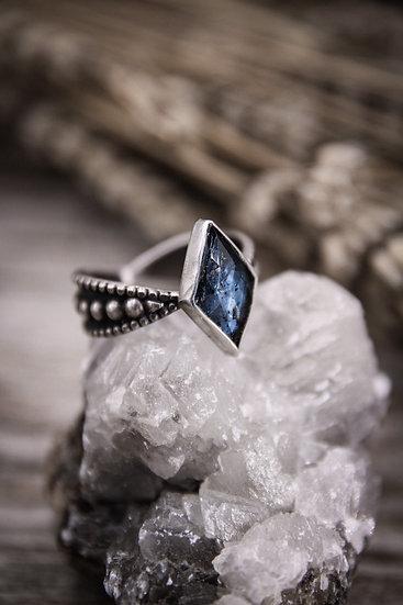 Size 10 • slim beaded goddess ring