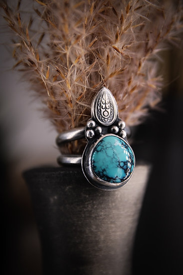 Size 6 • turquoise arrowhead ring
