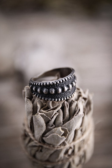 Size 7 • beaded silver ring