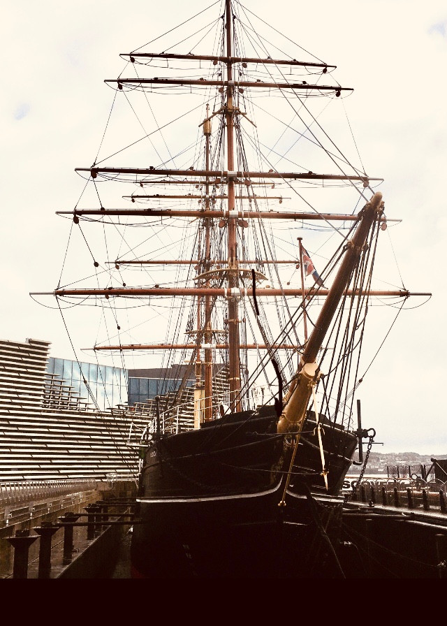 Photograph of RRS Discovery