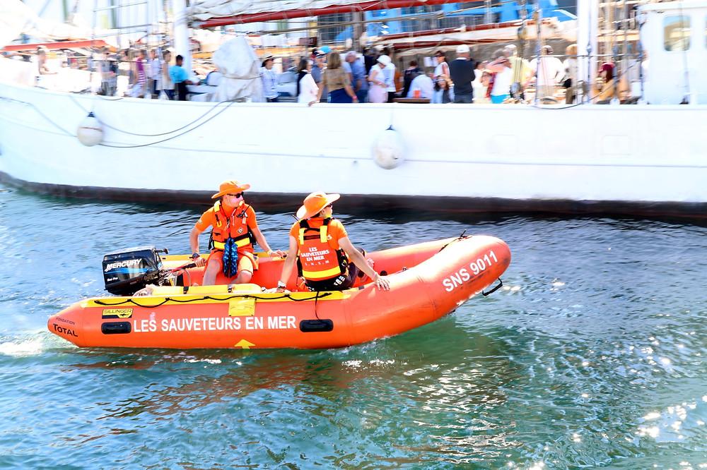 SNSM société nationale sauvetage en mer bateau semi rigide