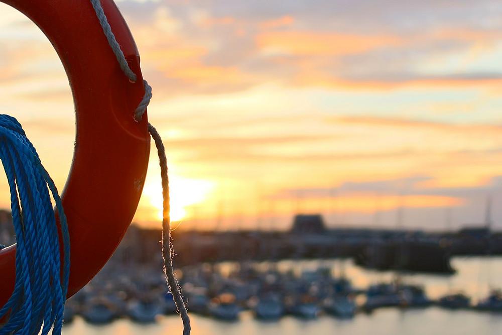 Coucher de soleil sur un port - côte Atlantique française