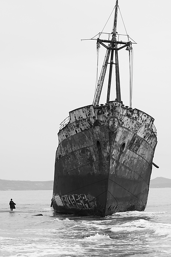 Shipwreck, Greece, schiffswrack, harry potter, boat, wrack,black and white, magic