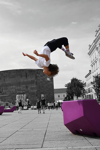 vienna, mq, museumsquartier, backflip, sport, david hollauf, jump, blocks