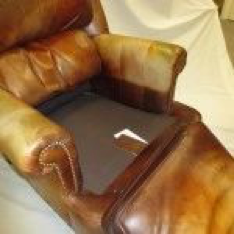 brown chair referb 3.png