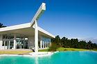 Ein Penthouse hat keine direkten Nachbarn und eine Villa hat ein parkähnliches Grundstück..., in der Türkei eher eine Seltenheit!