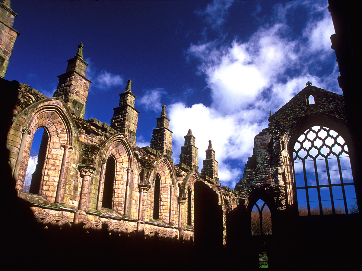 SEE & DO: HOLYROOD ABBEY
