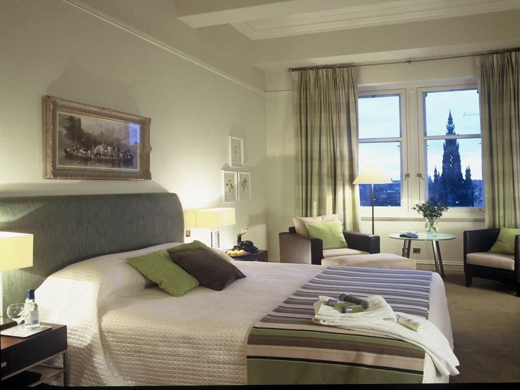 STAY: BALMORAL HOTEL