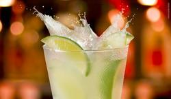 DRINKS: CAIPIRINHA