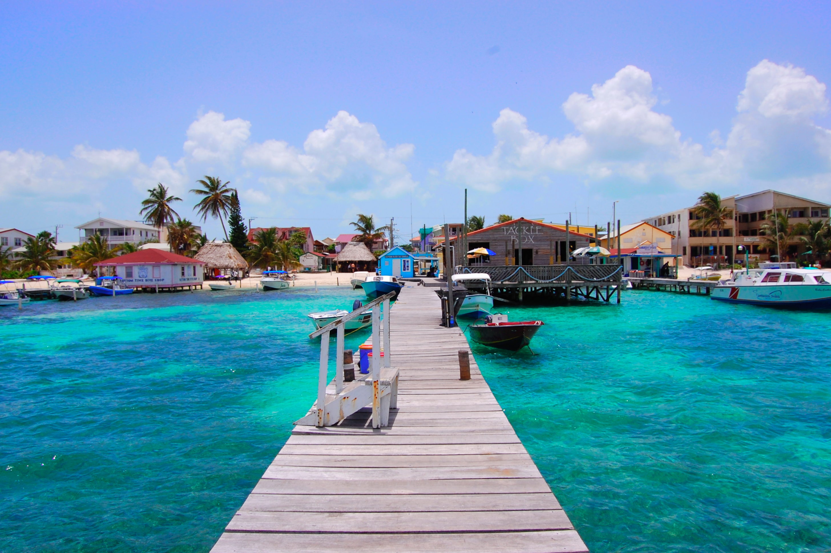 SEE & DO: AMBERGRIS CAYE