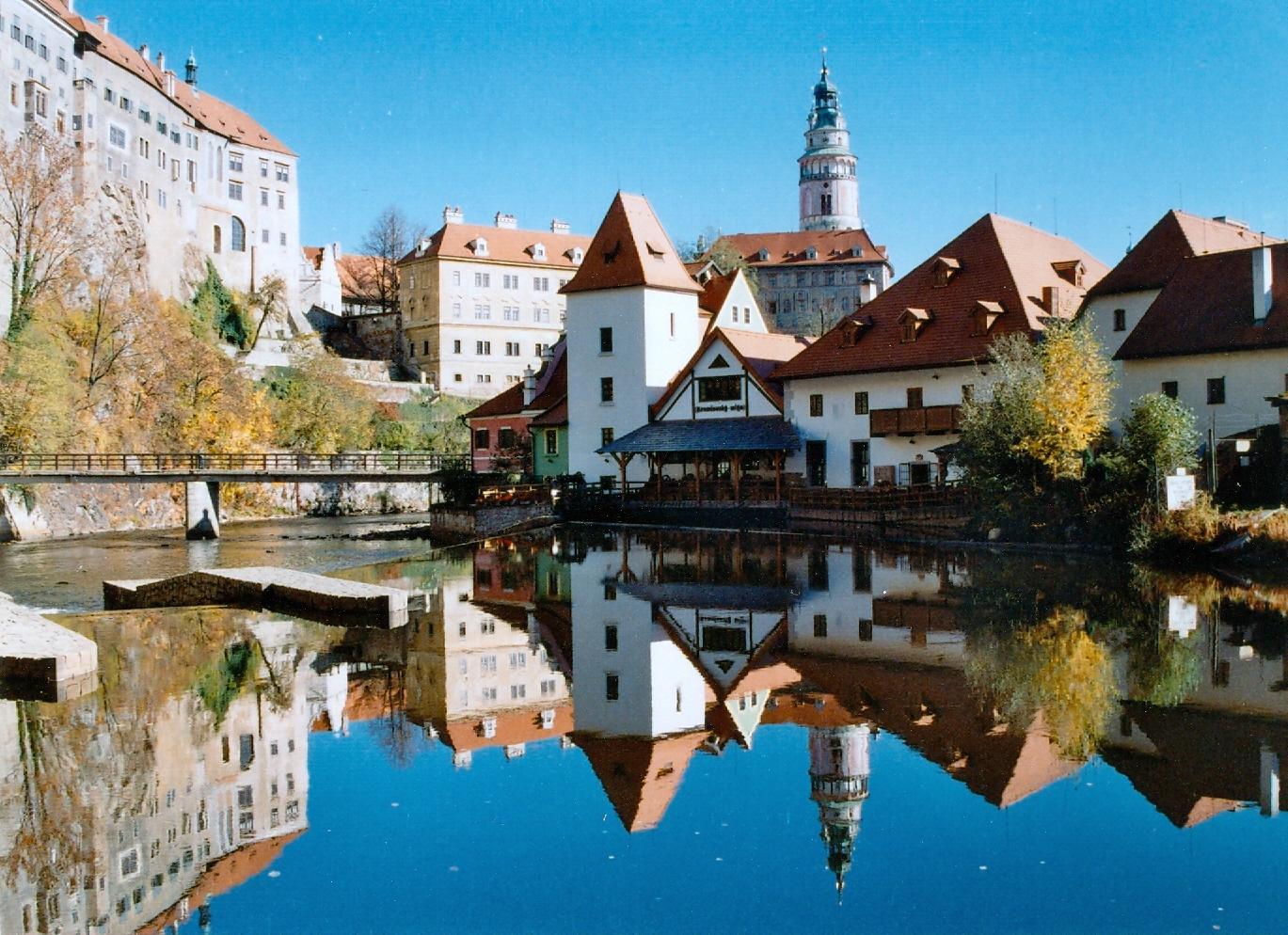 SEE & DO: ČESKÝ KRUMLOV - UNESCO