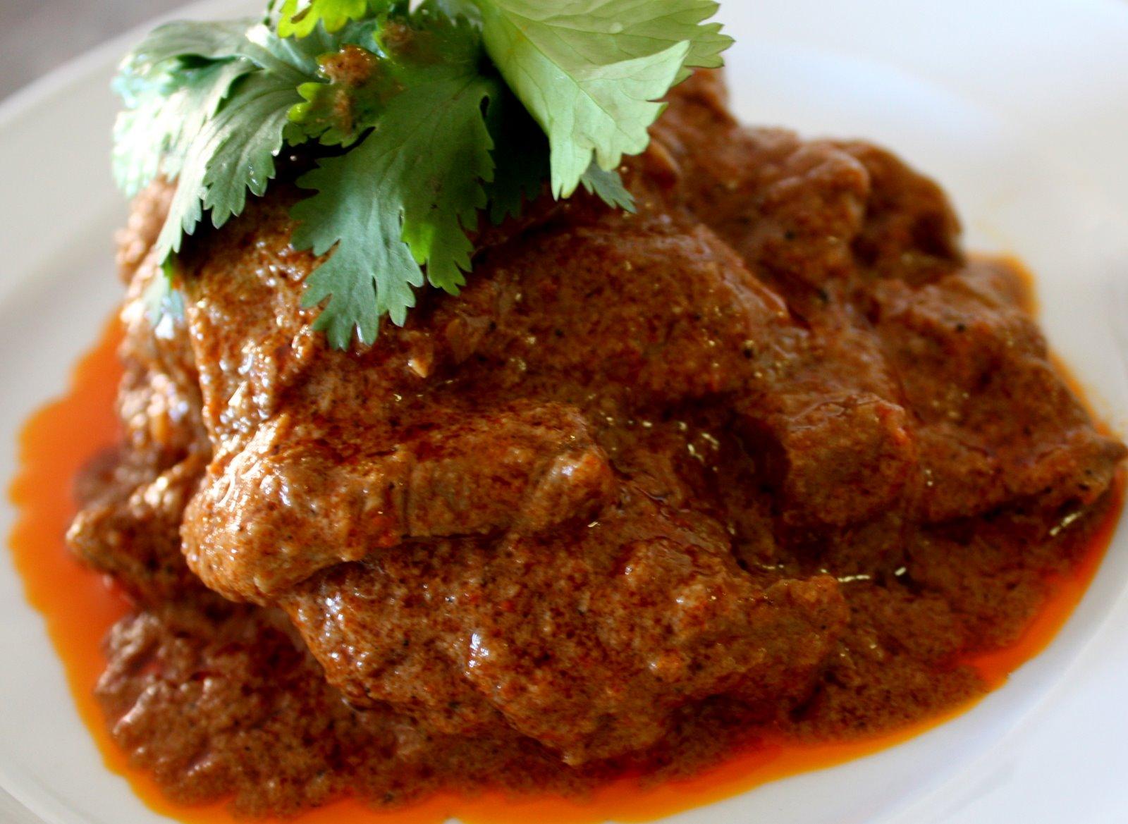 EAT: BEEF RENDANG