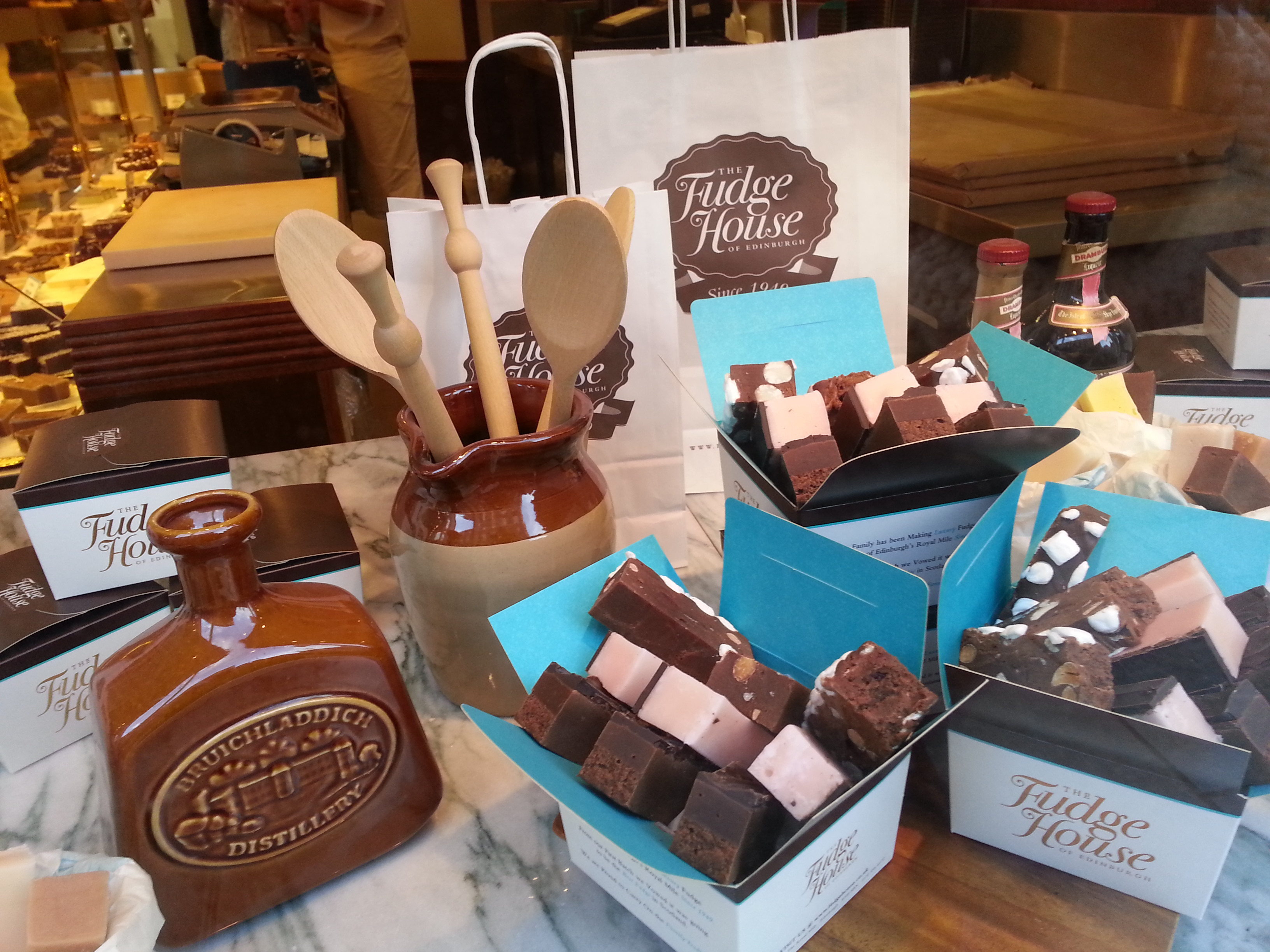 SHOP: FUDGE HOUSE