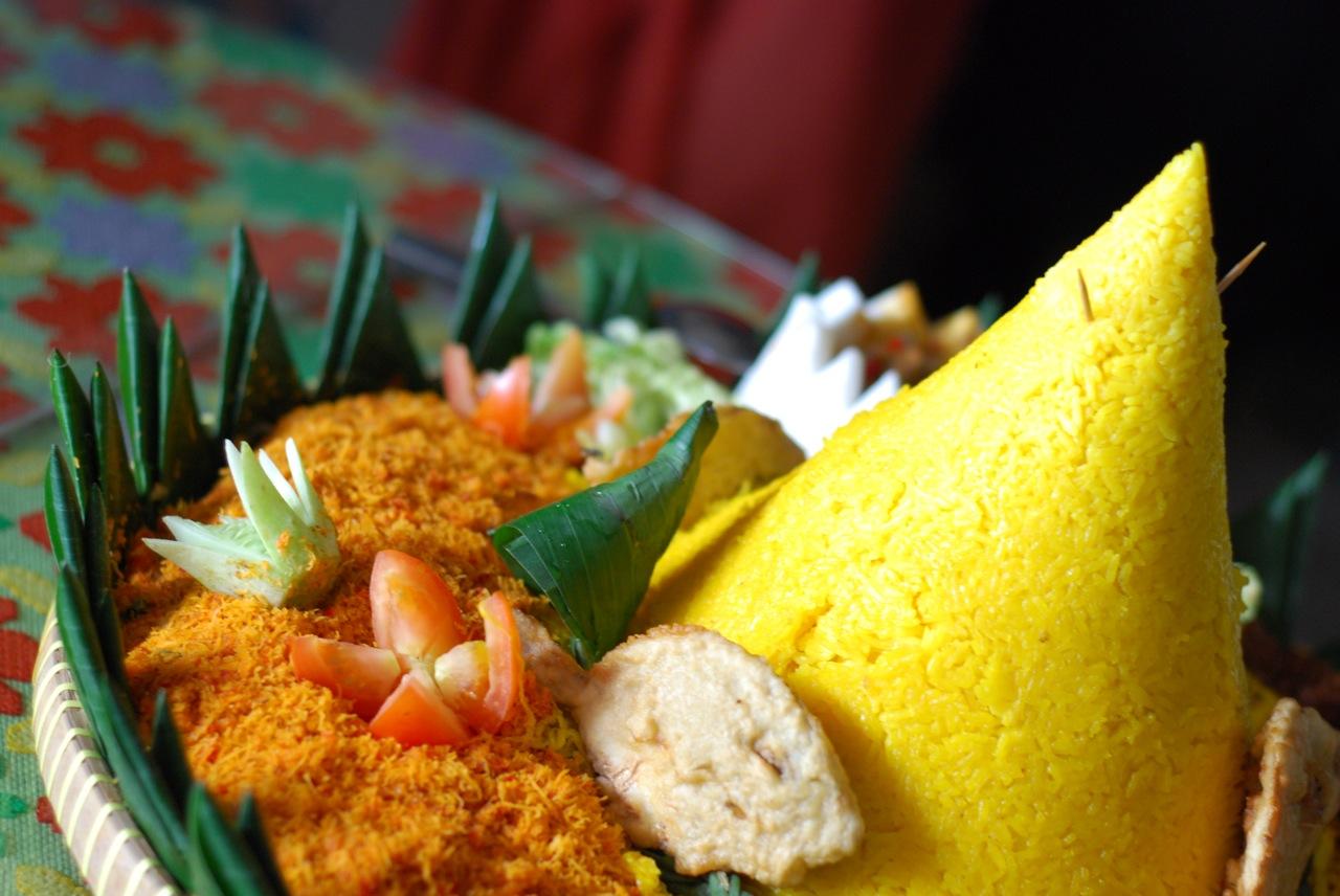 EAT: NASI KUNING