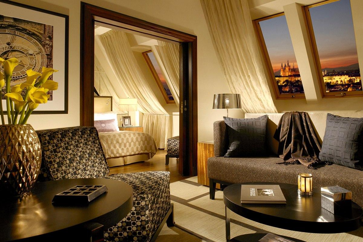 STAY: RADISSON BLU ALCRON HOTEL