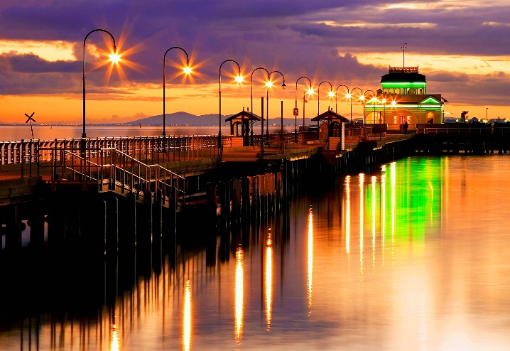 SEE & DO: ST. KILDA'S BEACH