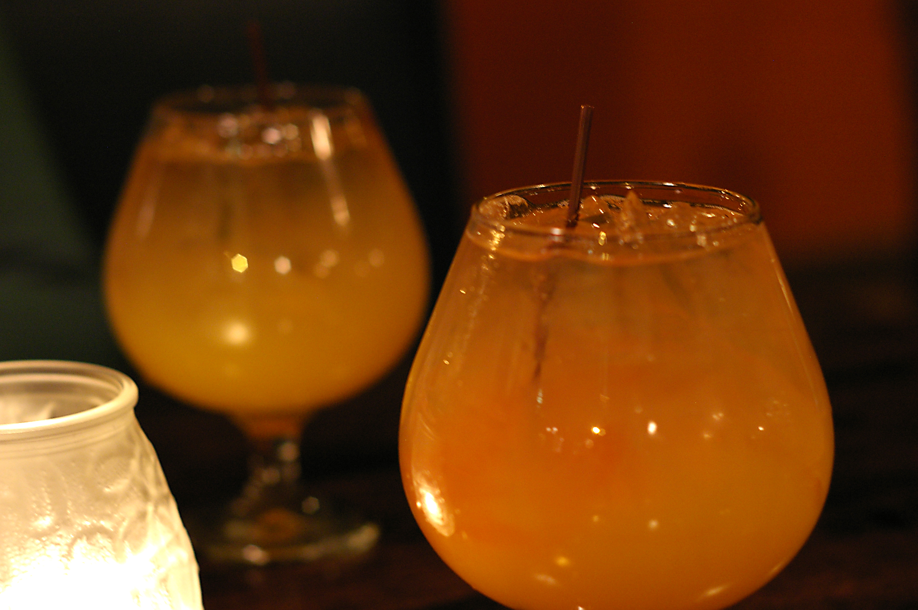 DRINKS: ROJO LOUNGE