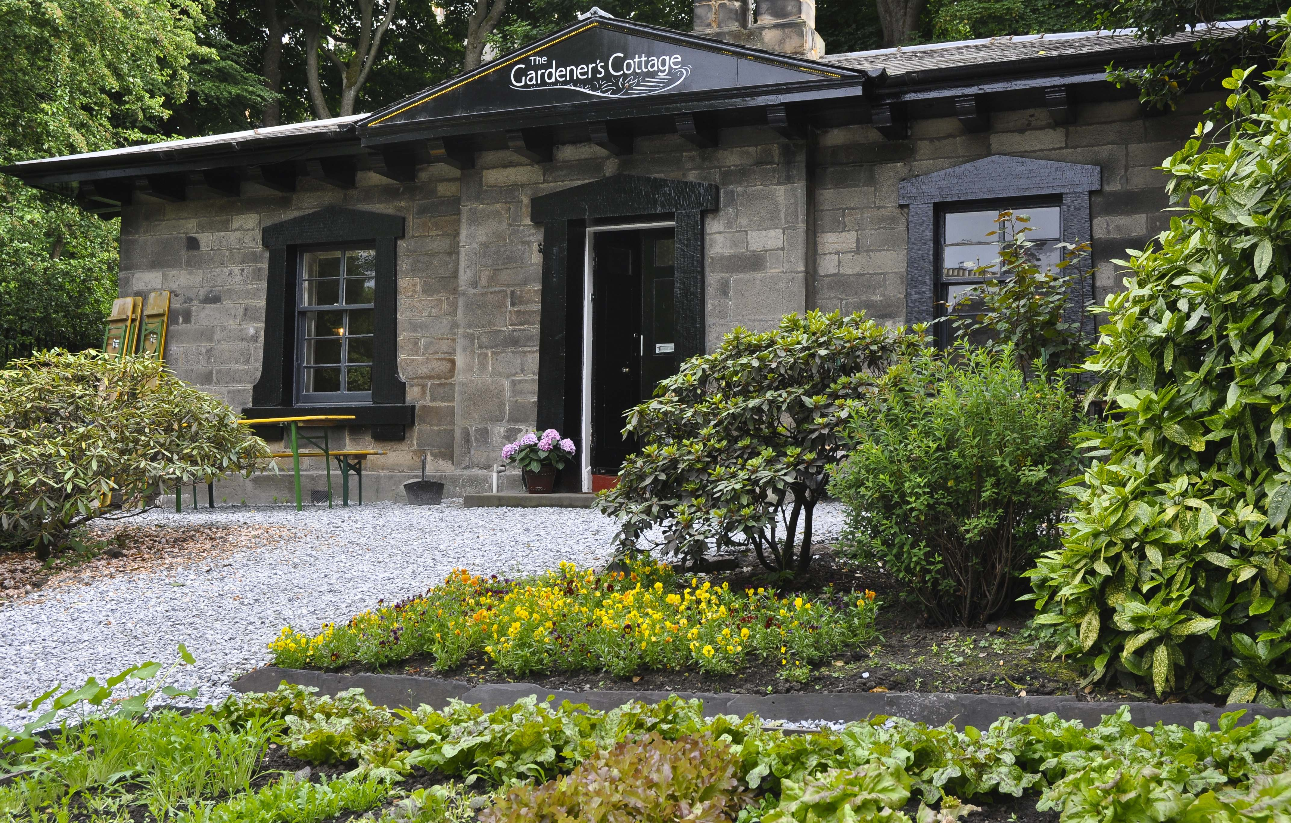 EAT: THE GARDENER'S COTTAGE