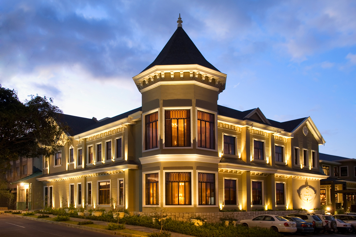 STAY: HOTEL GRANO DE ORO