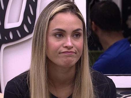 """BBB21: Sarah Andrade revela simpatia por Bolsonaro e revolta web: """"gosto dele""""; vídeo"""