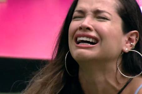"""BBB21: Juliette Freire se emociona após homenagem à mãe: """"te amo, fique em casa"""""""