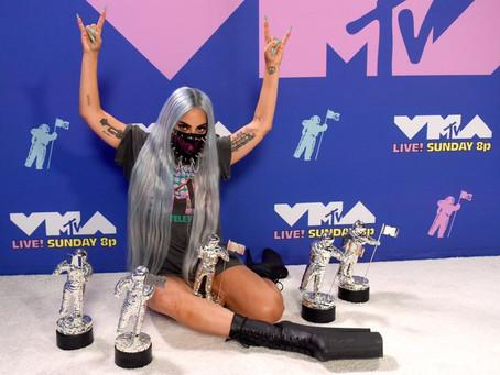VMA 2020: Lady Gaga é eleita a artista do ano e ganha prêmios por feat com Ariana Grande
