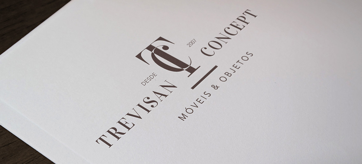 Identidade Trevisan Logo no Papel