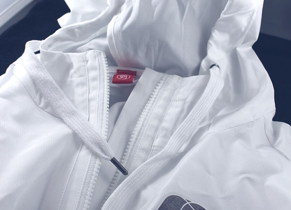 "SOS ""The Great White Hype"" All rounder windbreaker"