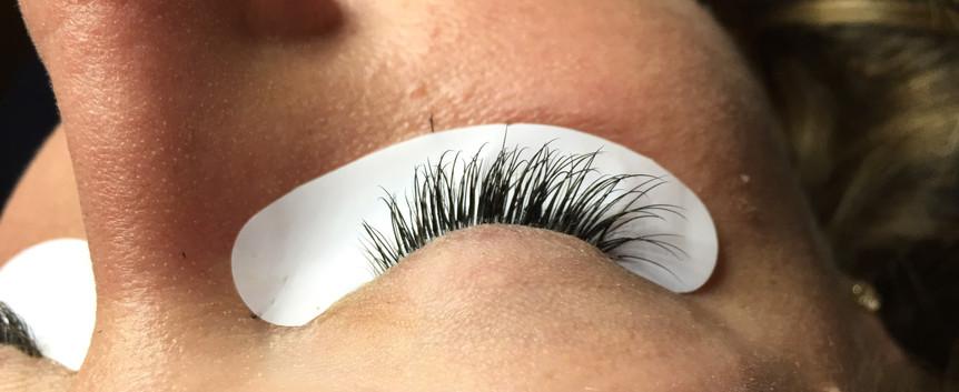 Classic Lashes: C curl