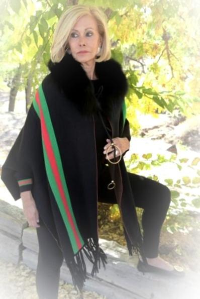 Luxurious Black Cape with Fox Collar