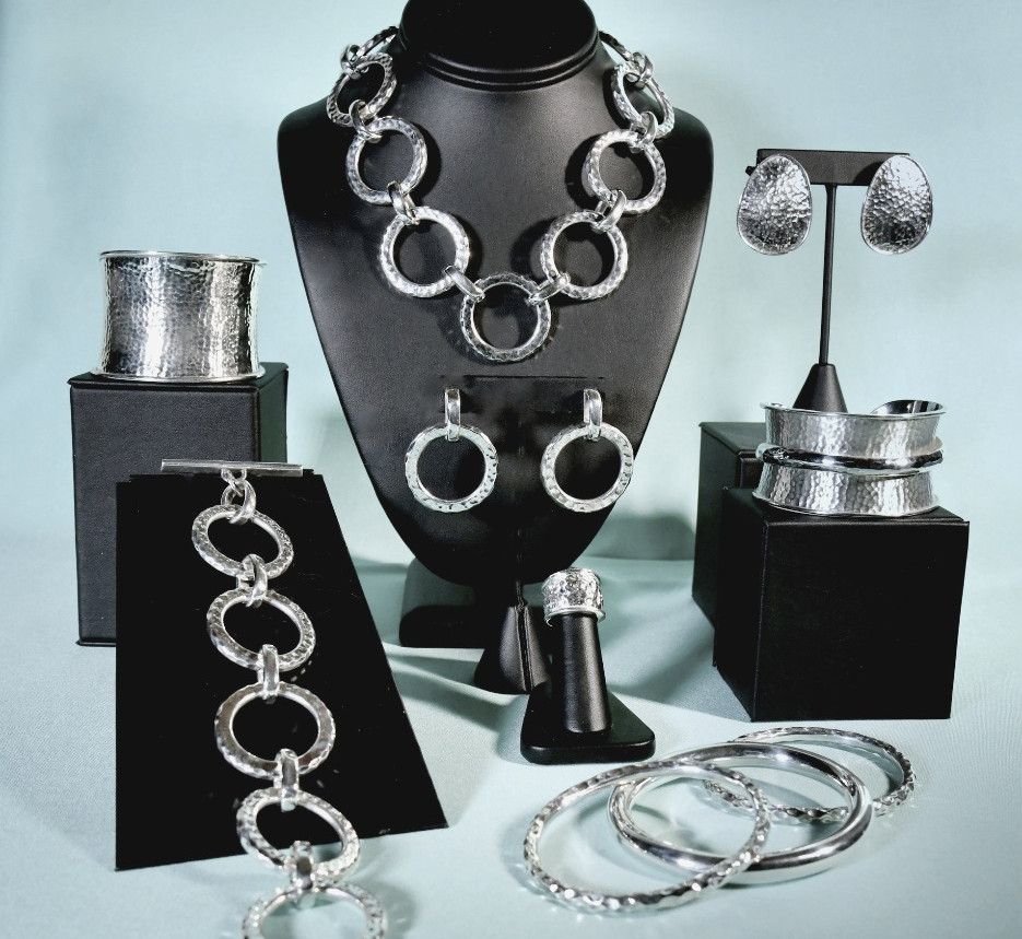 The Joy of Silver Lifstyle Collection