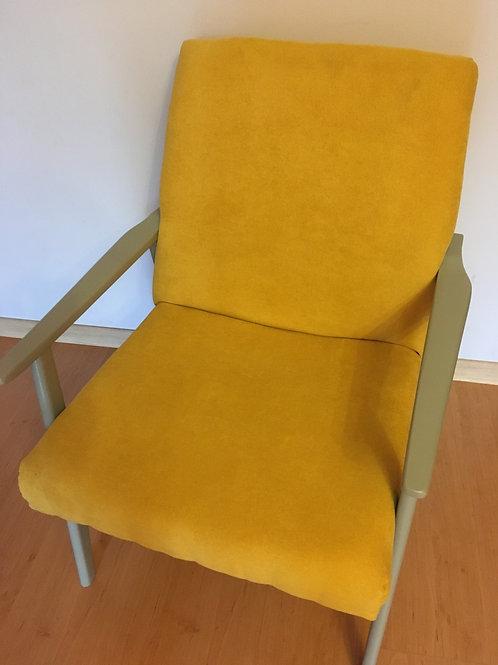 Musztardowy Fotel PRL-owy