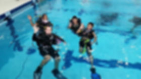 Student Divers in the pool with DiveMania Scuba